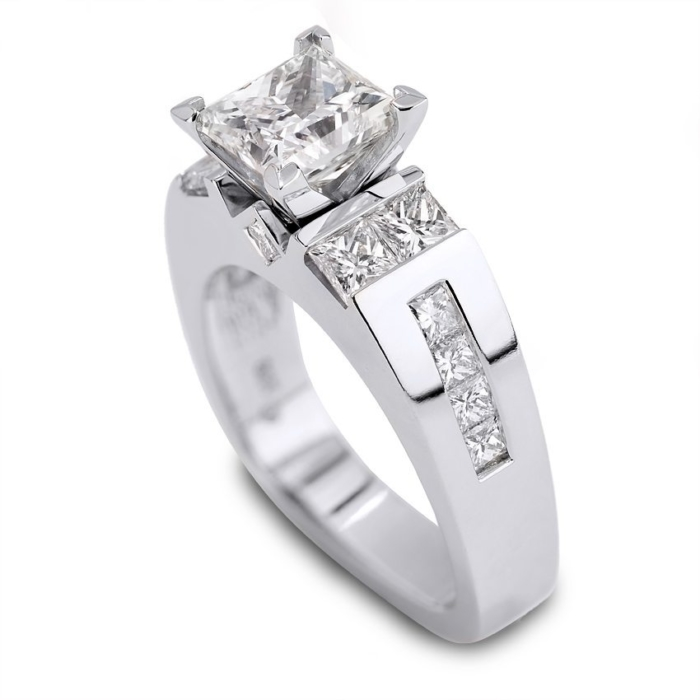 Classique Princess Cut Diamond and Gold Engagement Ring